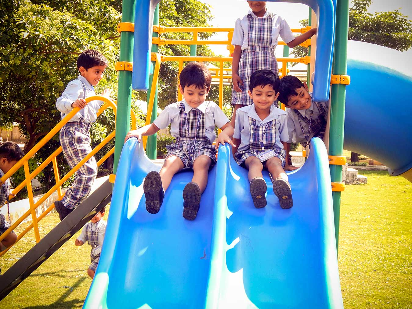 swings and playground at sagar public school ratibad, top cbse schools in central india, day boarding schools in bhopal, boarding schools in bhopal